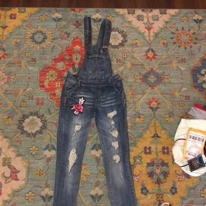 Distressed rose patch overalls